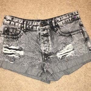 High Waisted Acid Washed Distressed Denim Shorts
